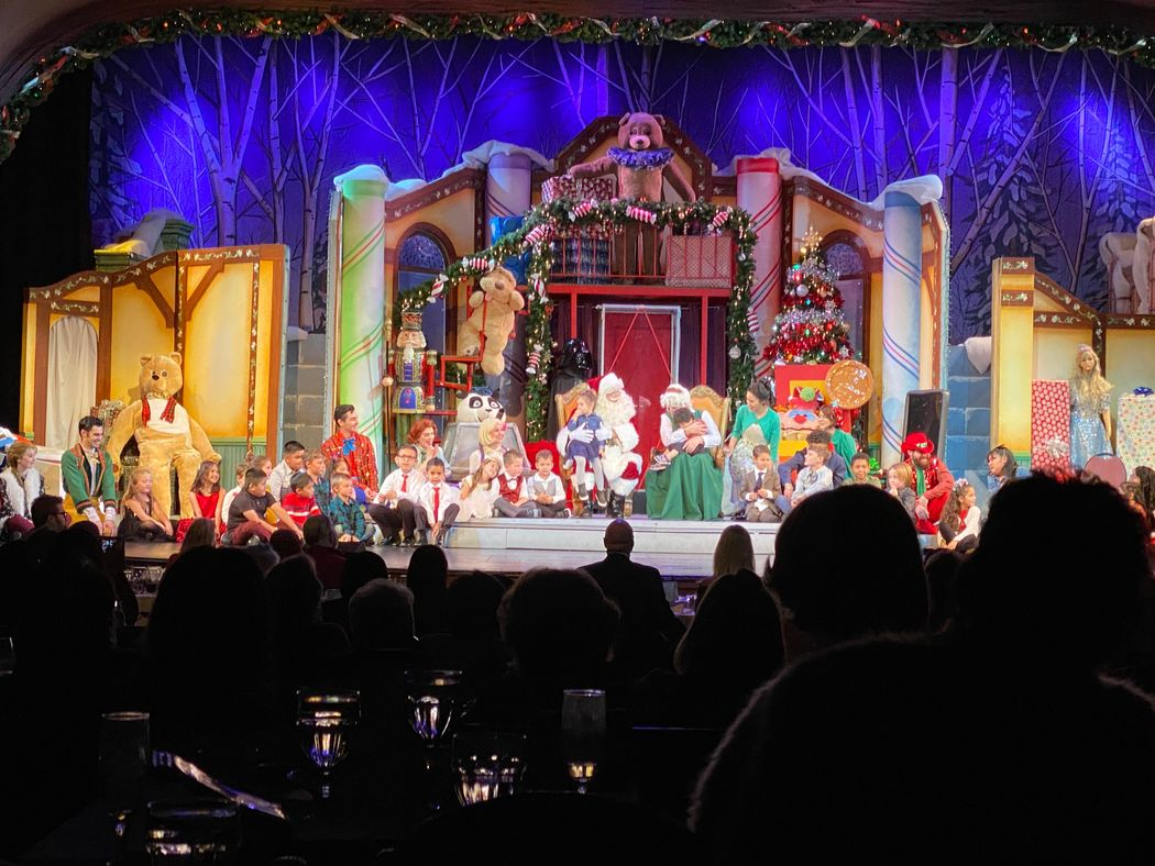 IEOS 2019 Candlelight Pavilion Holiday Celebration